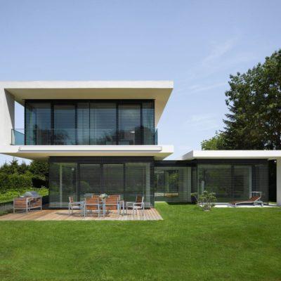Raffstoren modernes Haus